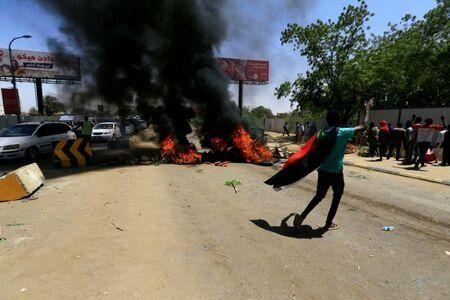 Soudan: six tués à Khartoum, les discussions sur la transition