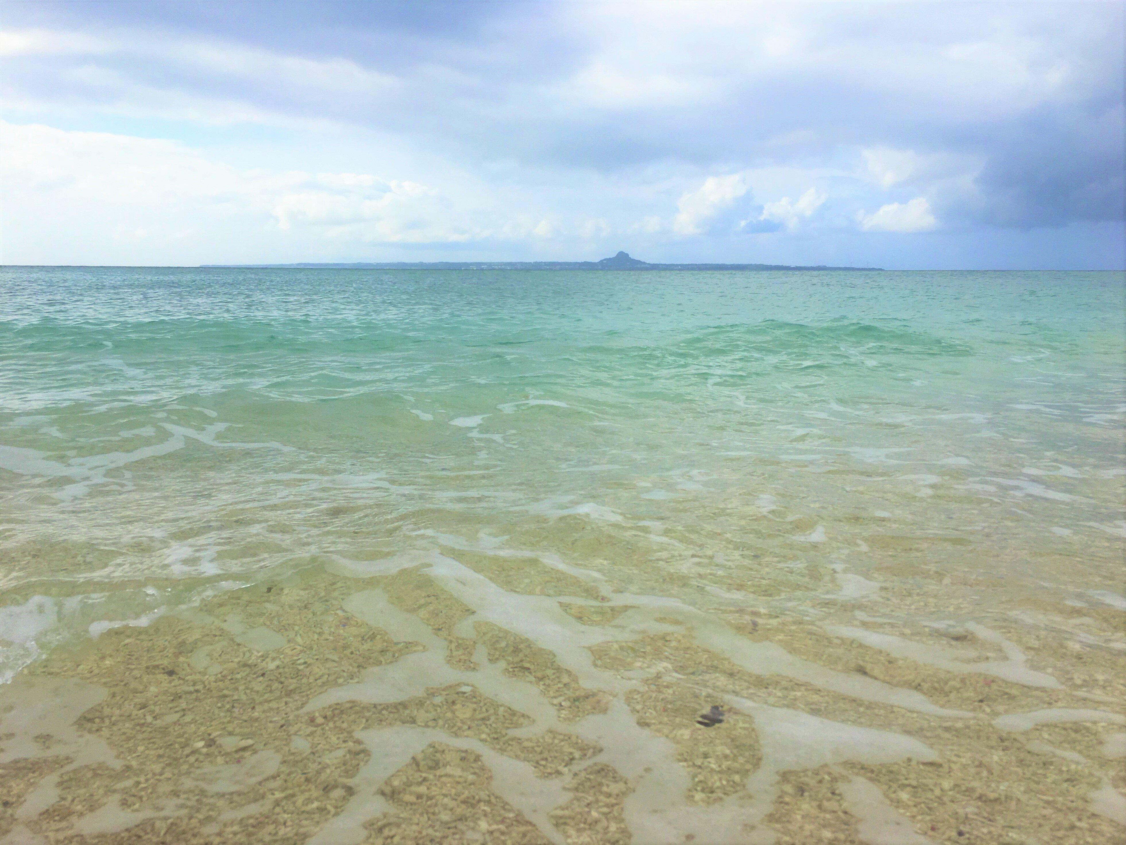 ▲沖繩北部景點推薦-瀨底海灘。(圖/Tripbaa趣吧!亞洲自由行專家)