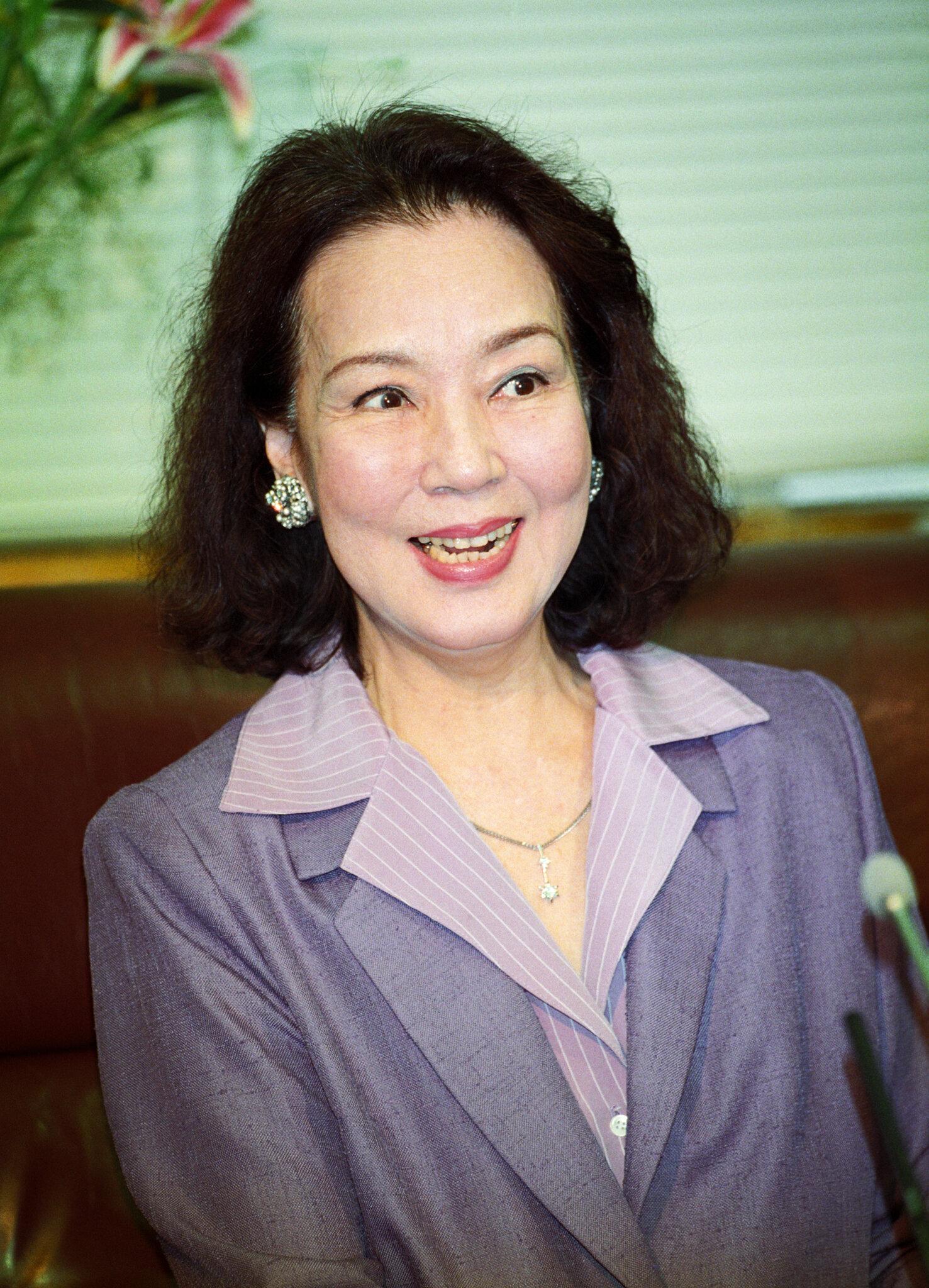 勲四等宝冠章受章の喜びを語る女優の京マチ子さん(東京・港区の大映テレビ)