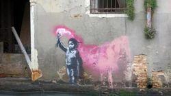 Banksy colpisce ancora? A Venezia appare un murales attribuito da molti al misterioso street