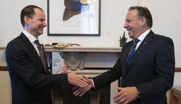 Photo d'archives du ministre des Finances, Eric Girard, et le premier ministre François