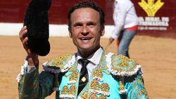El torero Antonio Ferrera, hospitalizado tras caer de un puente a gran