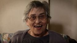 «Κερνάει η γιαγιά!» - Ενα σπαρταριστό προεκλογικό