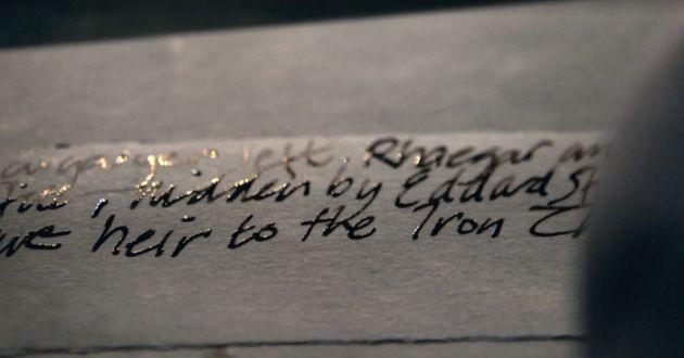 Varys compte prévenir Westeros: Daenerys n'est pas la reine légitime pour le Trône...