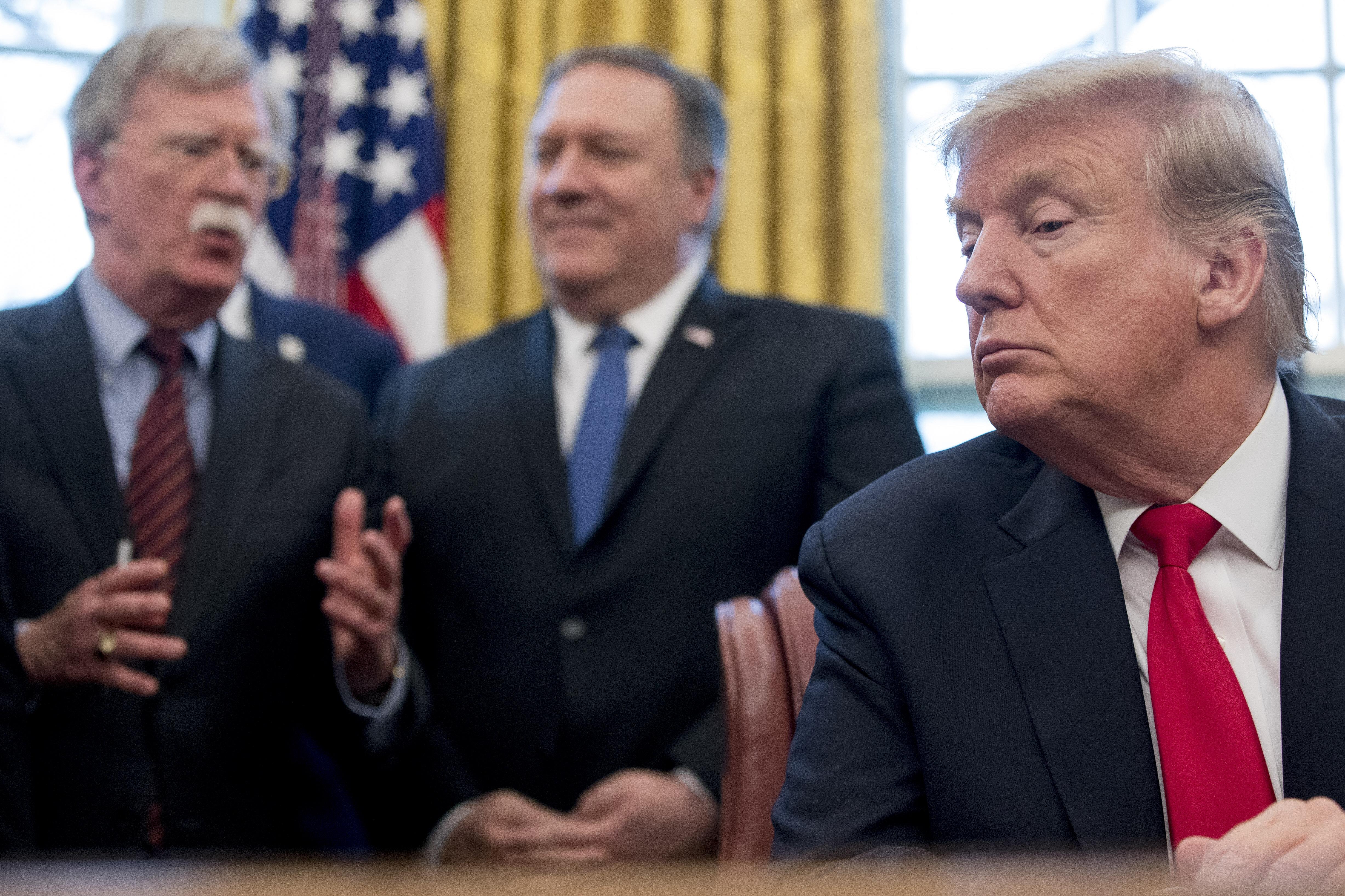 트럼프 정부는 왜 이란을 못 잡아먹어서 안달인가? : 5가지