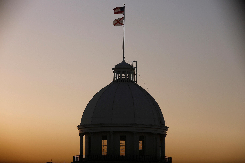 앨라배마주 의회가 미국에서 가장 엄격하고 끔찍한 낙태법을