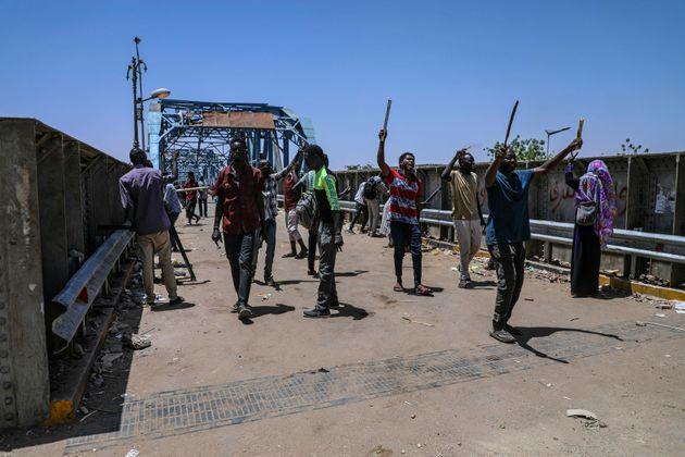 Σουδάν: Συμφωνία για μεταβατική περίοδο τριετούς διάρκειας μεταξύ στρατού και