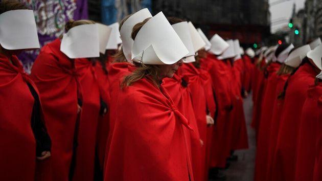Απαγορεύονται οι εκτρώσεις ακόμα και σε θύματα βιασμού αγαπητή