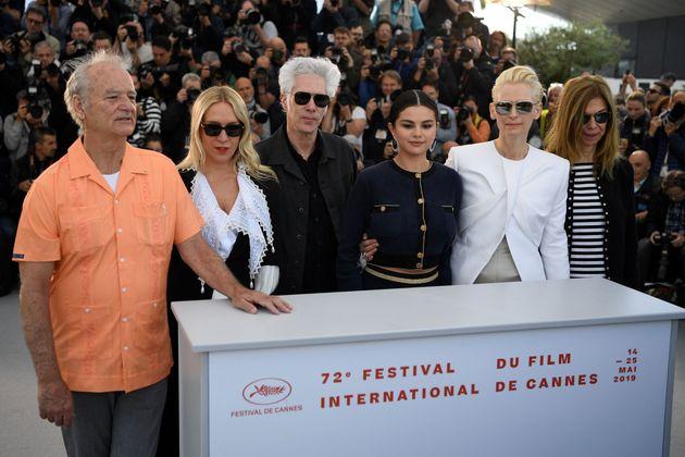 De gauche à droite : Bill Murray, Chloe Sevigny, Jim Jarmusch, Selena Gomez, Tilda Swinton et...