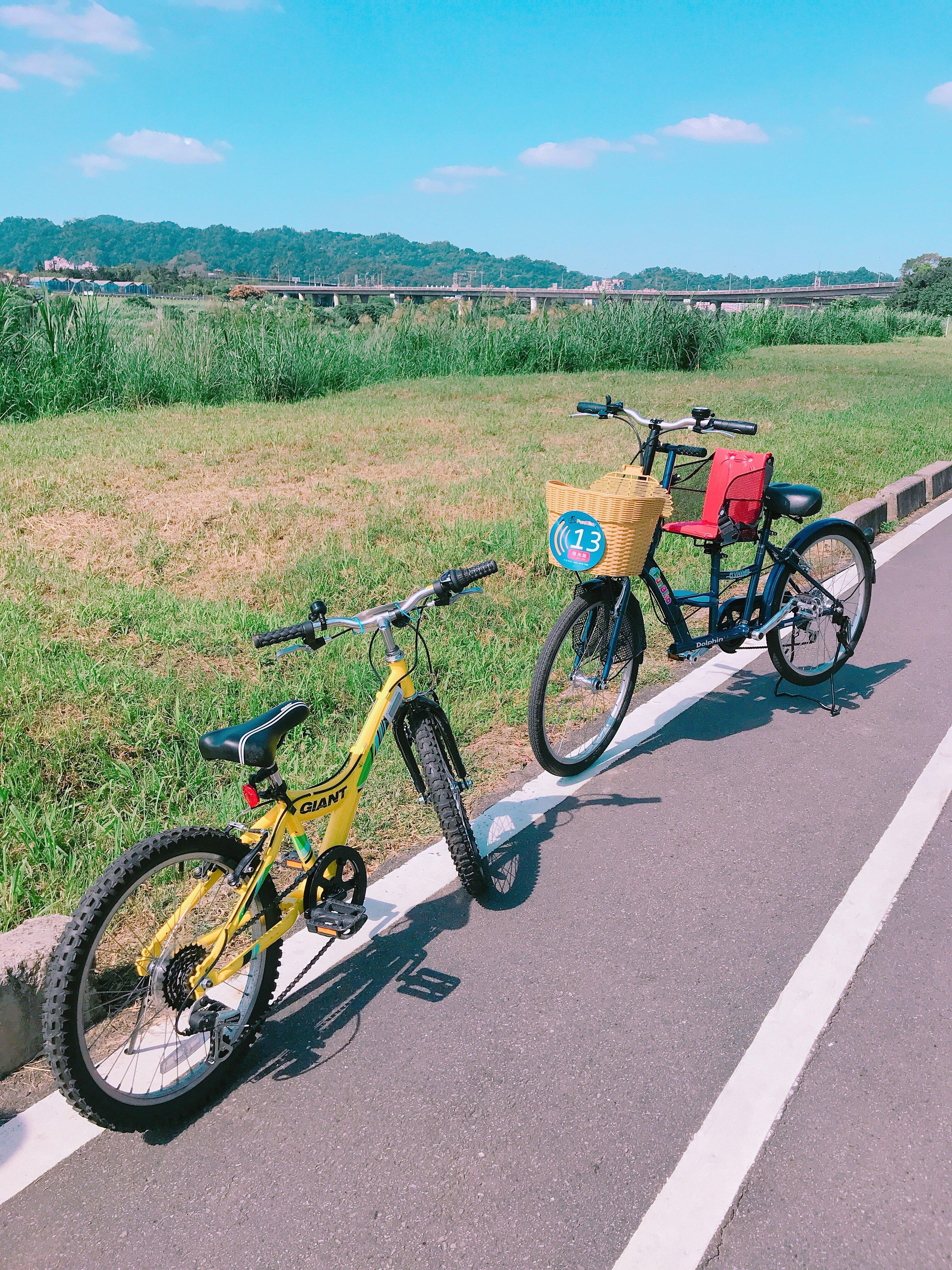 ▲現場也有租借腳踏車,可以一路騎至碧潭風景區、烏來,可以甲地借乙地還。