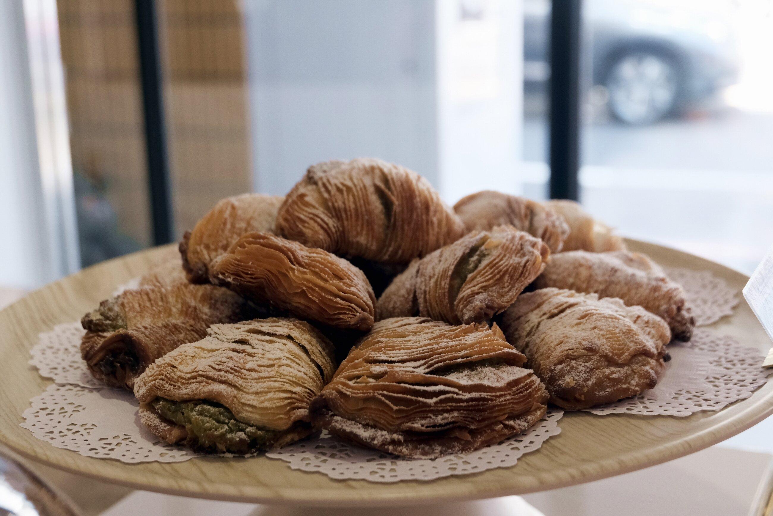 Sfogliatelle 貝殼酥外型多層次,足見手工繁雜與細緻。