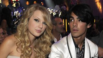 LOS ANGELES, CA - SEPTEMBER 07:  Taylor Swift and Joe Jonas in the audience at the 2008 MTV Video Music Awards at Paramount Pictures Studios on September 7, 2008 in Los Angeles, California.  (Photo by Kevin Mazur/WireImage)