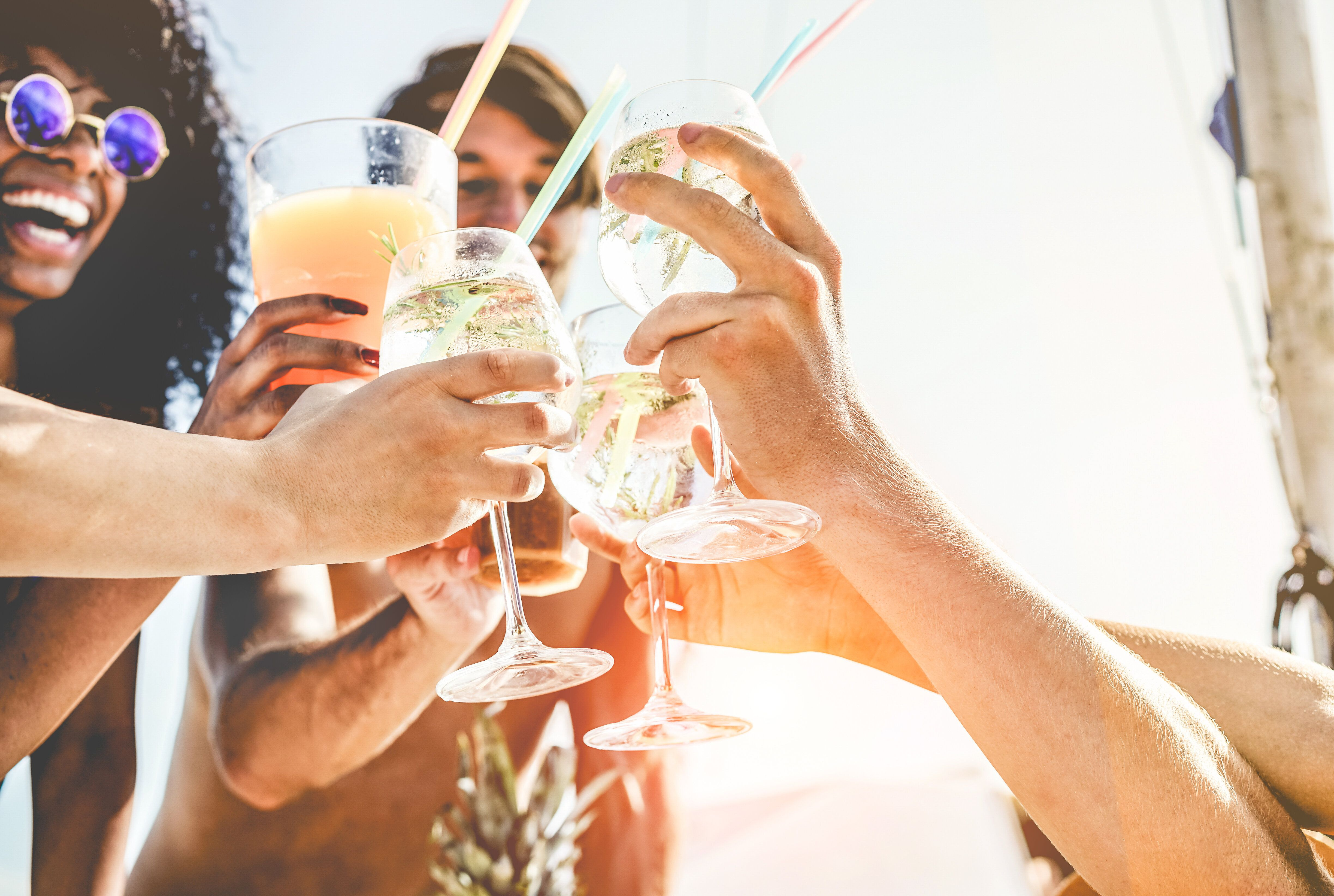 Τι πρέπει να προσέχουμε το καλοκαίρι όταν πίνουμε