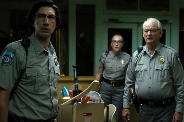 Adam Driver, Chlöe Sevigny e Bill Murray em cena de The Dead Don't