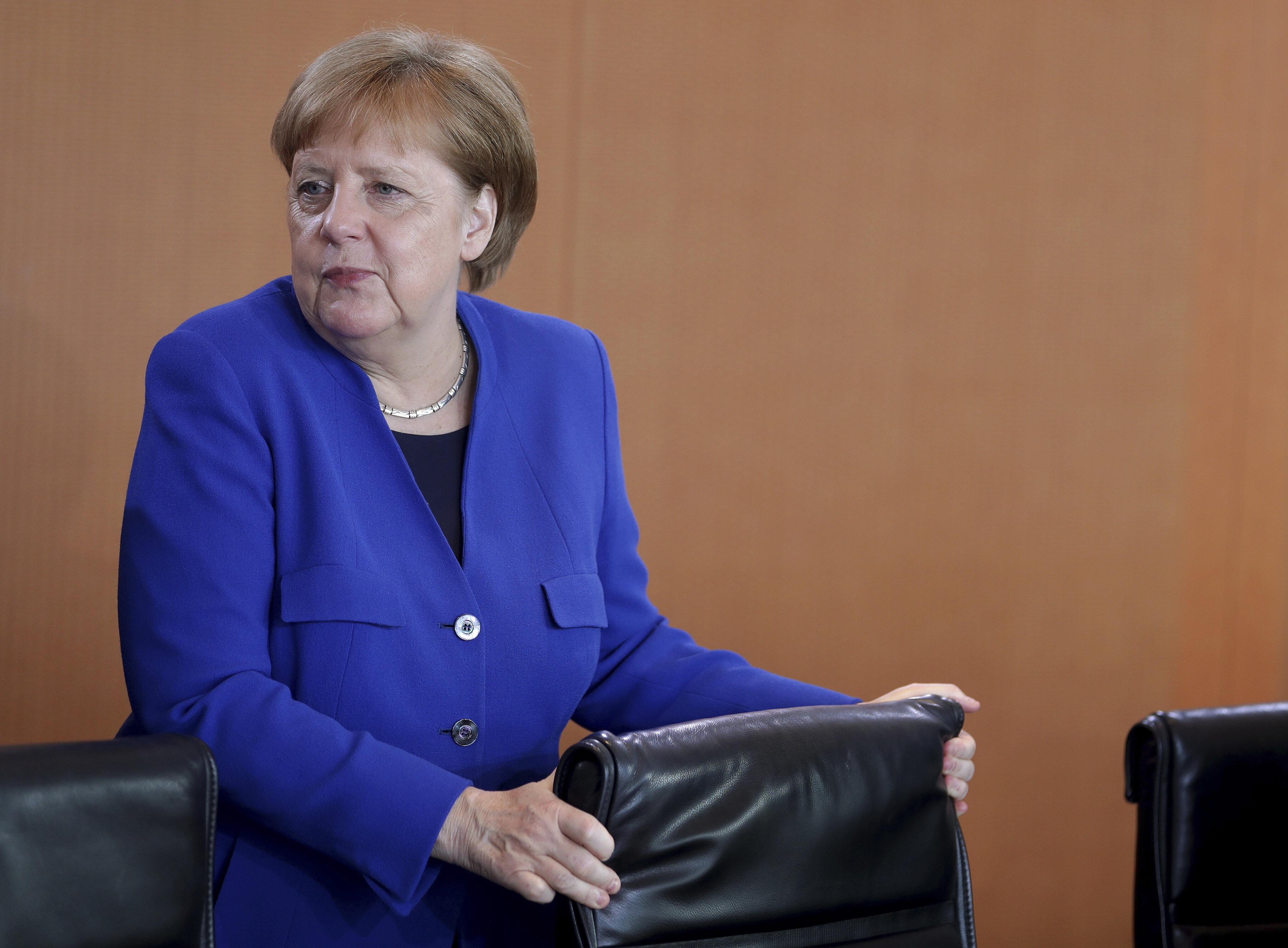Angela Merkel |   Con Macron ho un rapporto conflittuale  Sostengo Weber ma