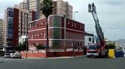 Una pareja se atrinchera en una azotea en Las Palmas de Gran Canaria por la supuesta retirada de la custodia de su