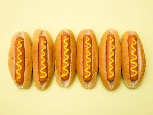 Oscar Mayer, Nathan's, Ball Park ... who makes the best affordable wieners? Three pros conduct a taste