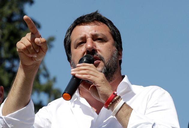 Salvini vuole il decreto Sicurezza bis in Cdm ma Di Maio fa