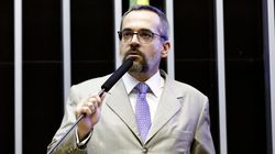 Na Câmara, ministro culpa governo passado por corte e ironiza
