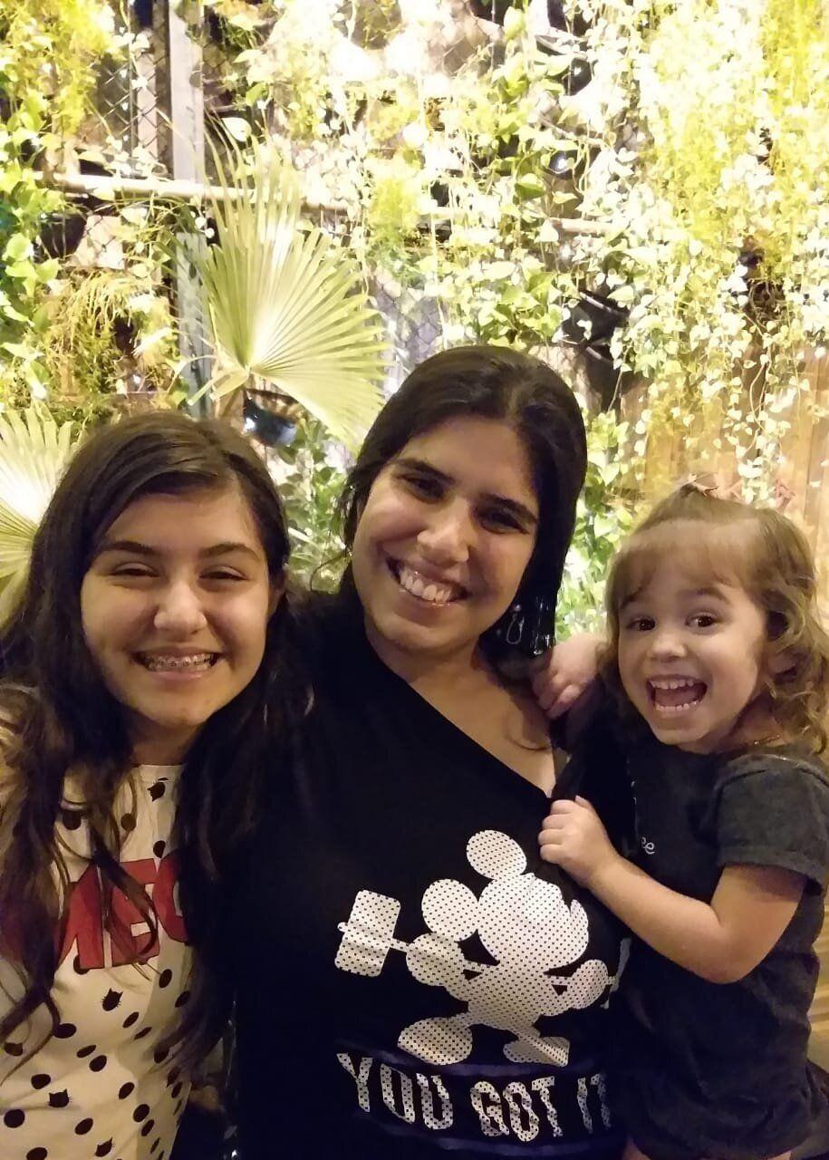 Priscila é mãe de Gabriela, de 12 anos, e de Clarisse, de