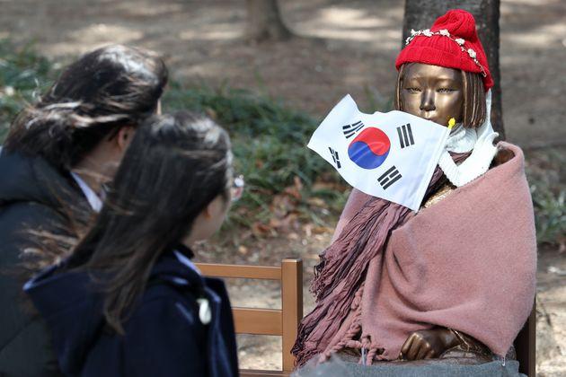 위안부 피해자 '이귀녀 할머니' 지원금 약 3억원 가로챈 70대 남성이