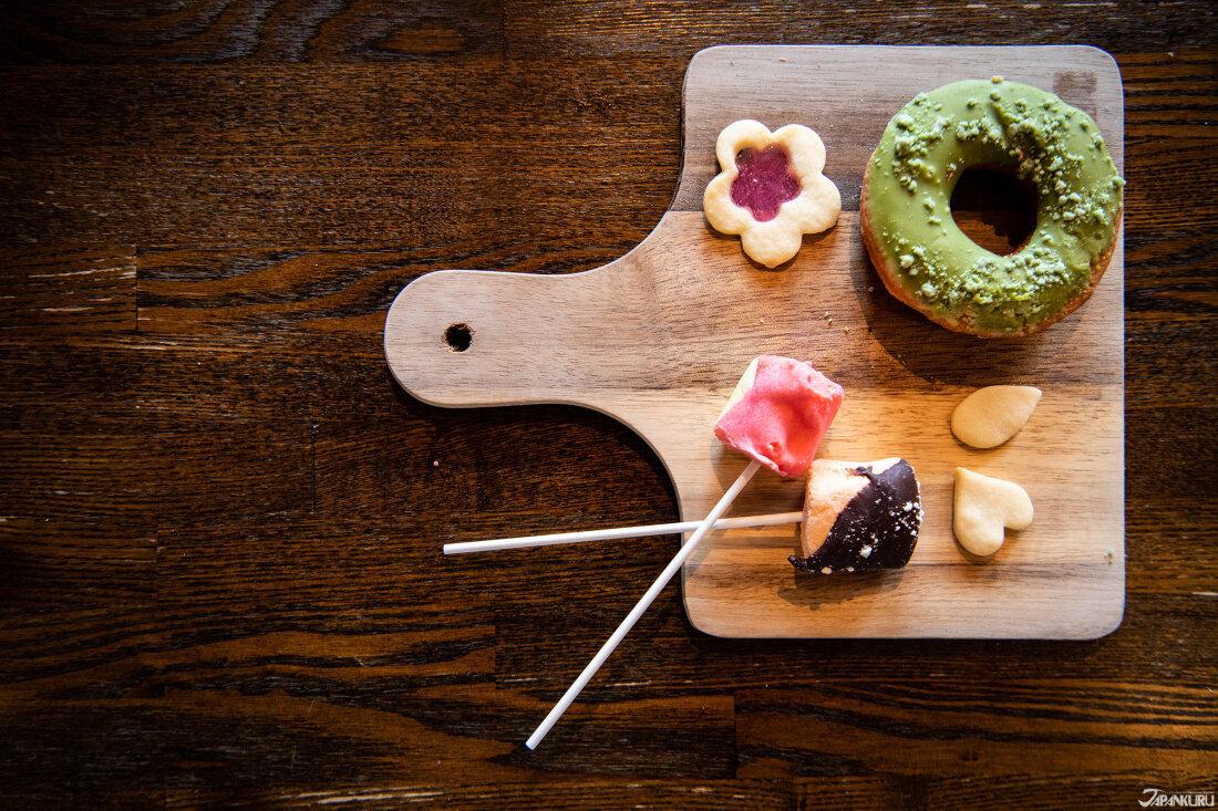 盛甜點時用的又不同於鹹點的木頭托盤,拍起來是不是更加可愛?