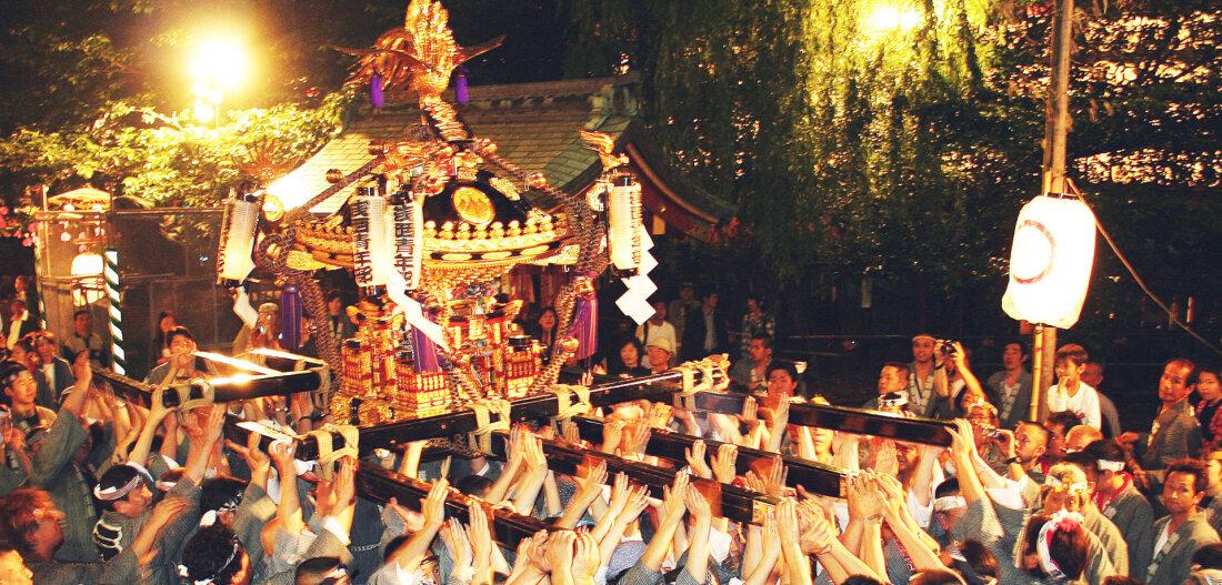 東京的「江戶三大祭典」 神轎山車潑水祭