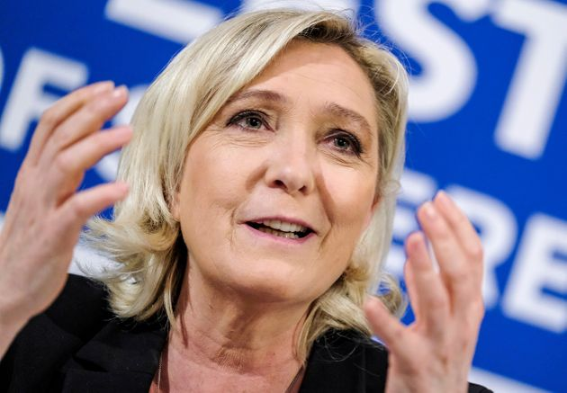 Marine Le Pen in marcia