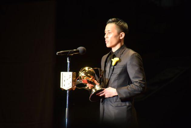 49歳、プロバスケ選手でクラブ経営者。通算10000得点の偉業で特別賞に輝いた。