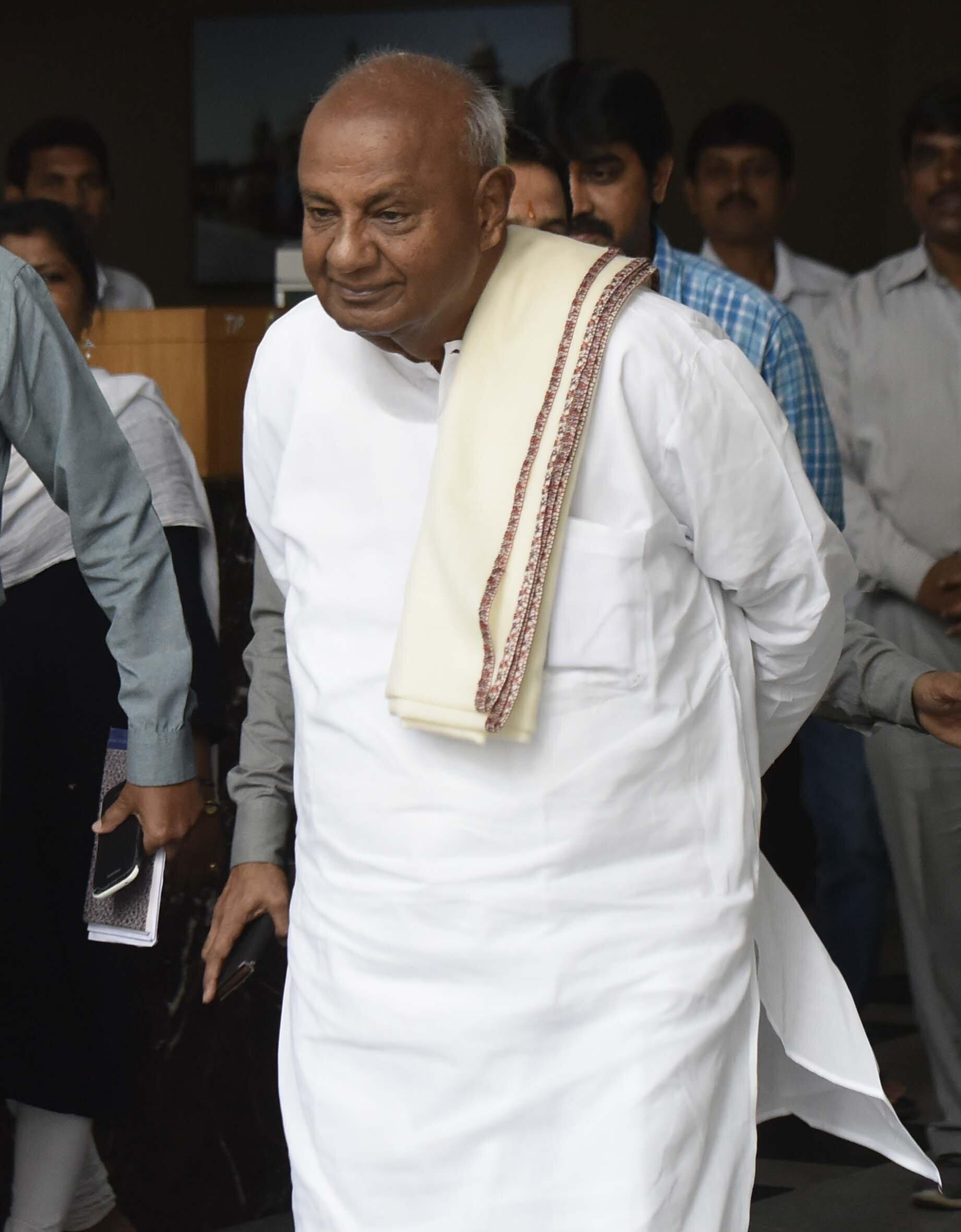 HD Deve Gowda Seems To Be On Safe Ground In Karnataka's