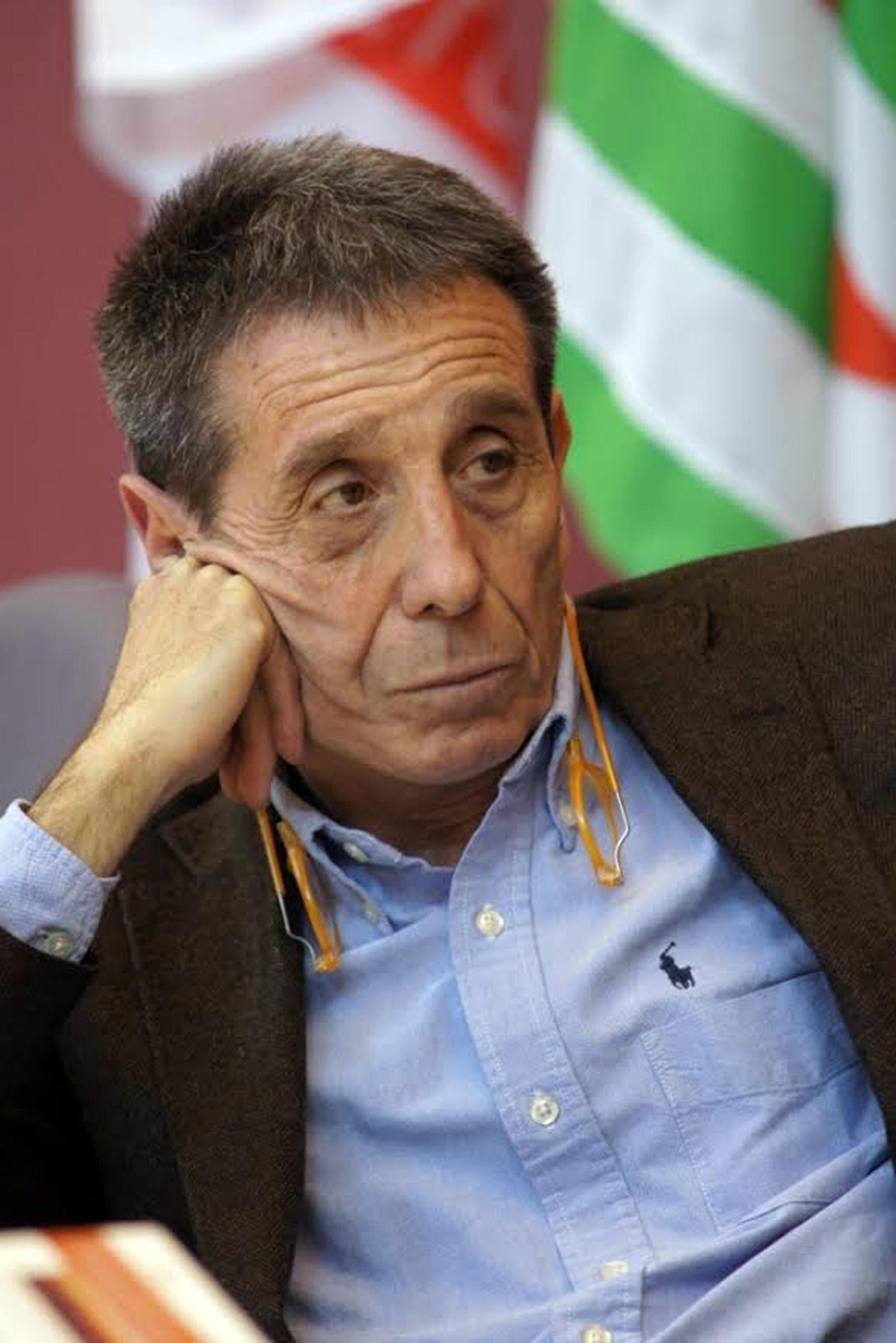 C'è anche Cacciari per Bolaffi candidato con il Pd, ma il filosofo resta critico verso i
