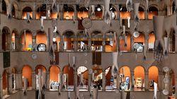 Si vas a Venecia, visita la Fondaco dei Tedeschi, un palacio veneciano con manos