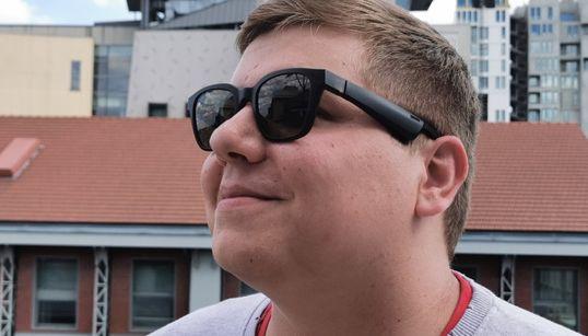 Les Bose Frames, des lunettes connectées qui vous en mettent plein les yeux et les
