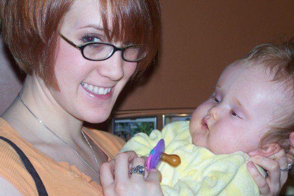 Dina Zirlott and her daughter, Zoe (2007).