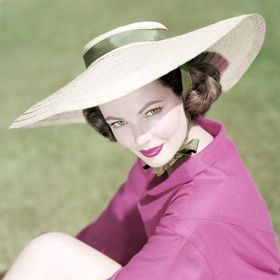 0e72fb5daab050 These Vintage Hollywood Photos Will Inspire You To Up Your Summer Hat Game