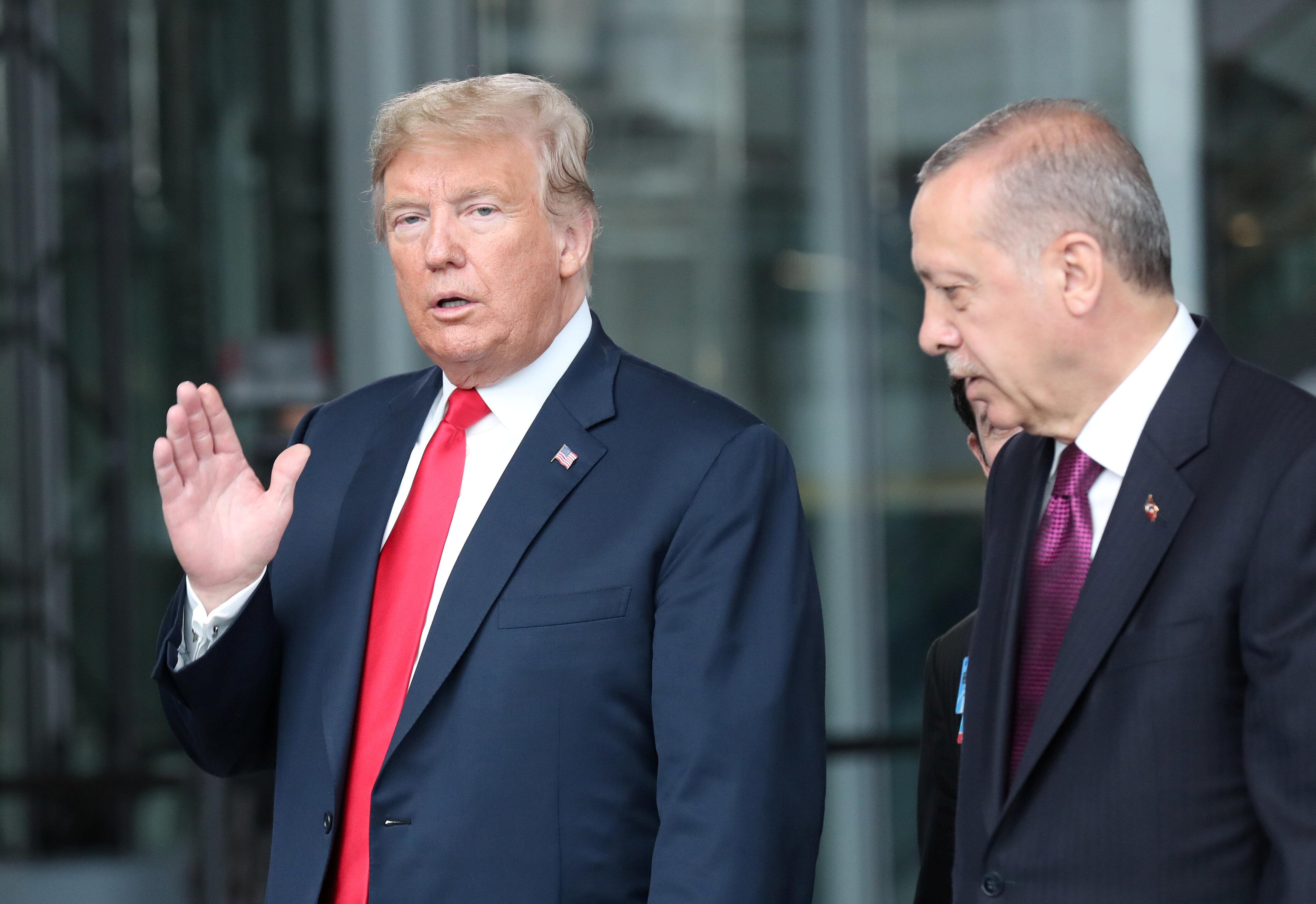 Οι ΗΠΑ βάζουν τέλος στην προνομιακή εμπορική σχέση με την