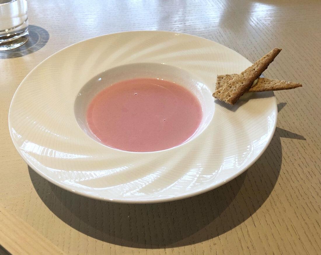 粉紅色的濃湯,還有種早春的氣息