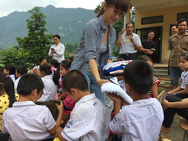 ベトナムのチャリティ活動の様子1
