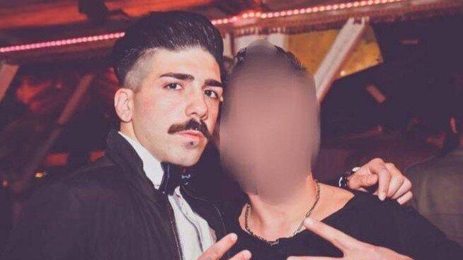 Il giallo di Erik, 23enne italiano trovato morto in un cassonetto a