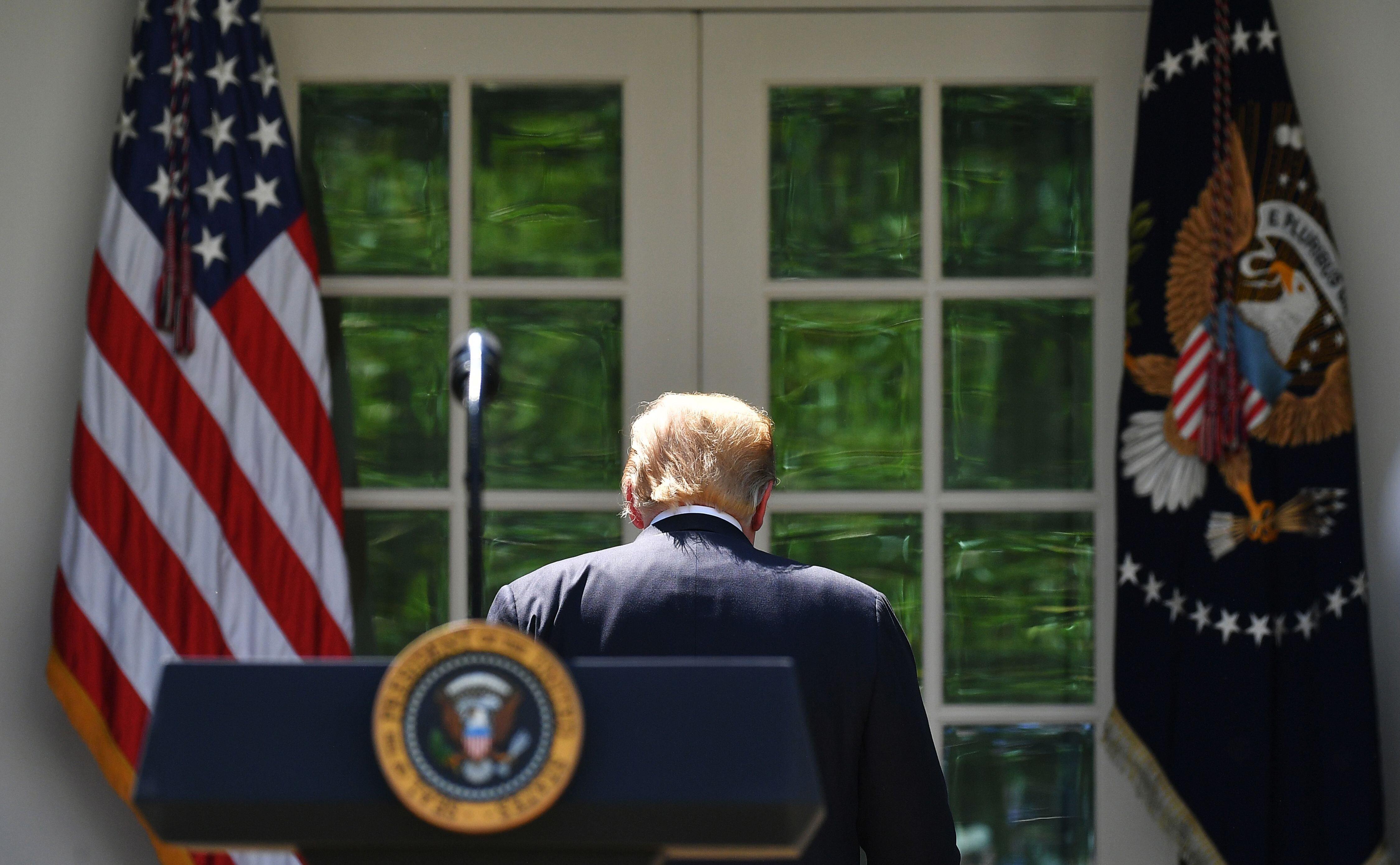 트럼프가 측근들에게 : '나는 이란과의 전쟁 원하지