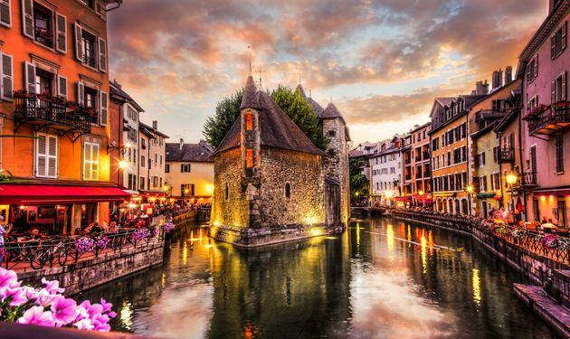 Οκτώ «πλωτές» πόλεις -εναλλακτικές στην Βενετία, η οποία «βουλιάζει» από