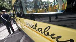 Ad Arquà Petrarca si rovescia uno scuolabus provocando sette feriti. Autista preso dopo la