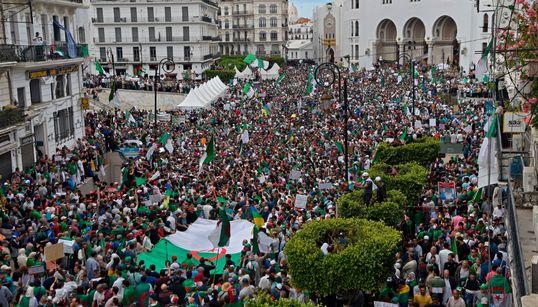Vendredi 13 : les Algériens en force à travers tout le territoire