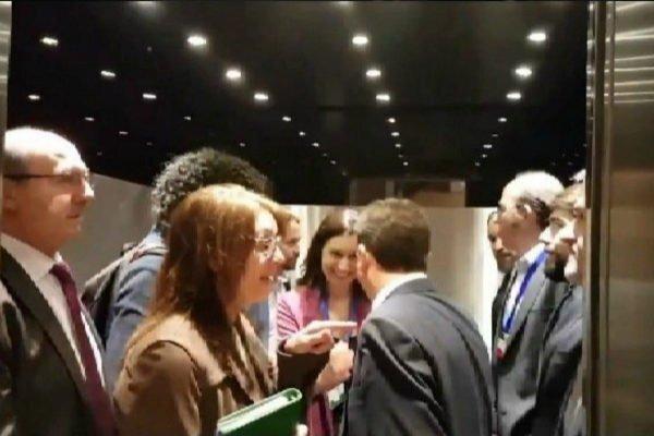 Diario de campaña, día 7: un vasco y un madrileño entran en un ascensor