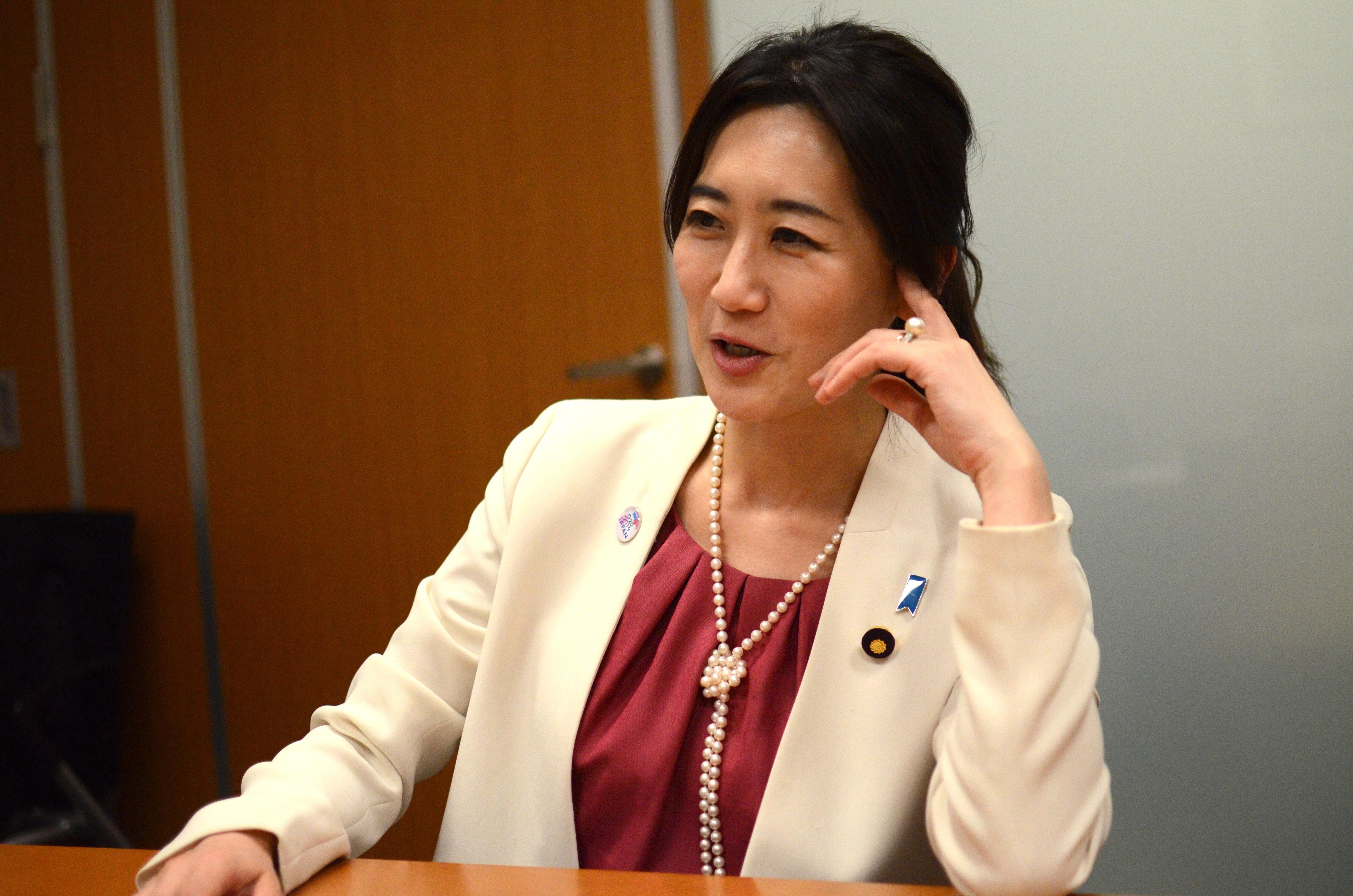 「これじゃ日本の女性は輝けない」