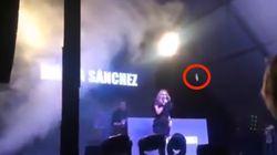 Una lluvia de huevos obliga a Marta Sánchez a suspender un concierto en