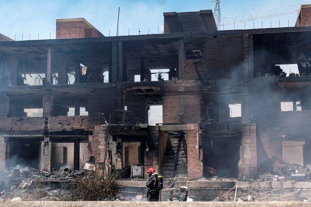 El juez deja en libertad al detenido por malos tratos a la víctima del incendio de un edificio okupado...