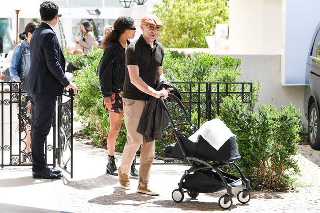 Vincent Cassel e Tina Kunakey alla prima uscita pubblica con la figlia