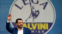 Salvini e i leader sovranisti europei in Piazza Duomo a Milano. Le Pen: