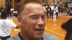 Schwarzenegger attaqué à coup de pied lors d'un événement